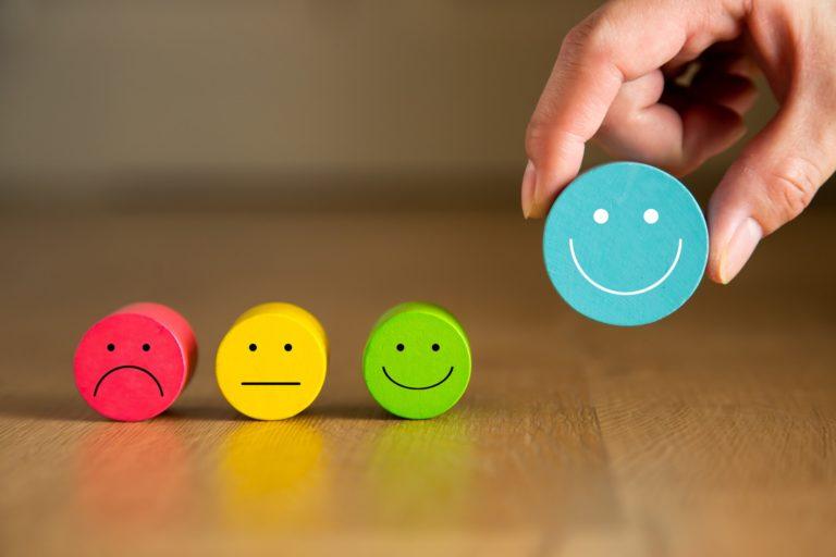 Improving customer experience on social media shopping